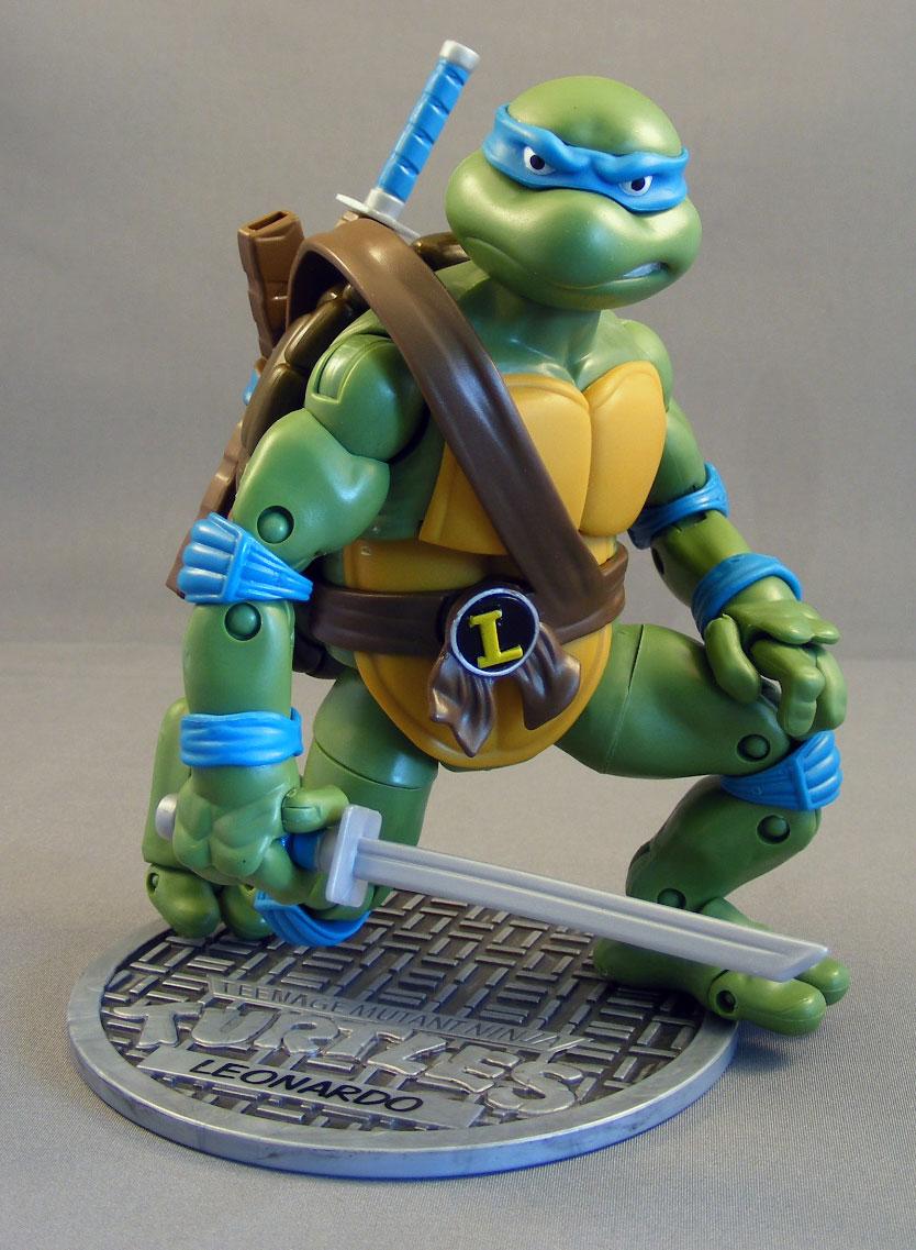 Poe's Review > Leonardo (Teenage Mutant Ninja Turtles Classic Collection, Playmates)