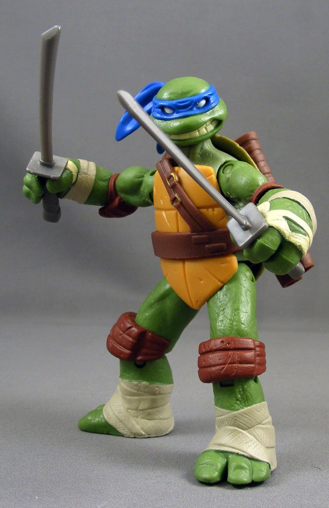 Poe's Review > Leonardo (Teenage Mutant Ninja Turtles 2012 ...