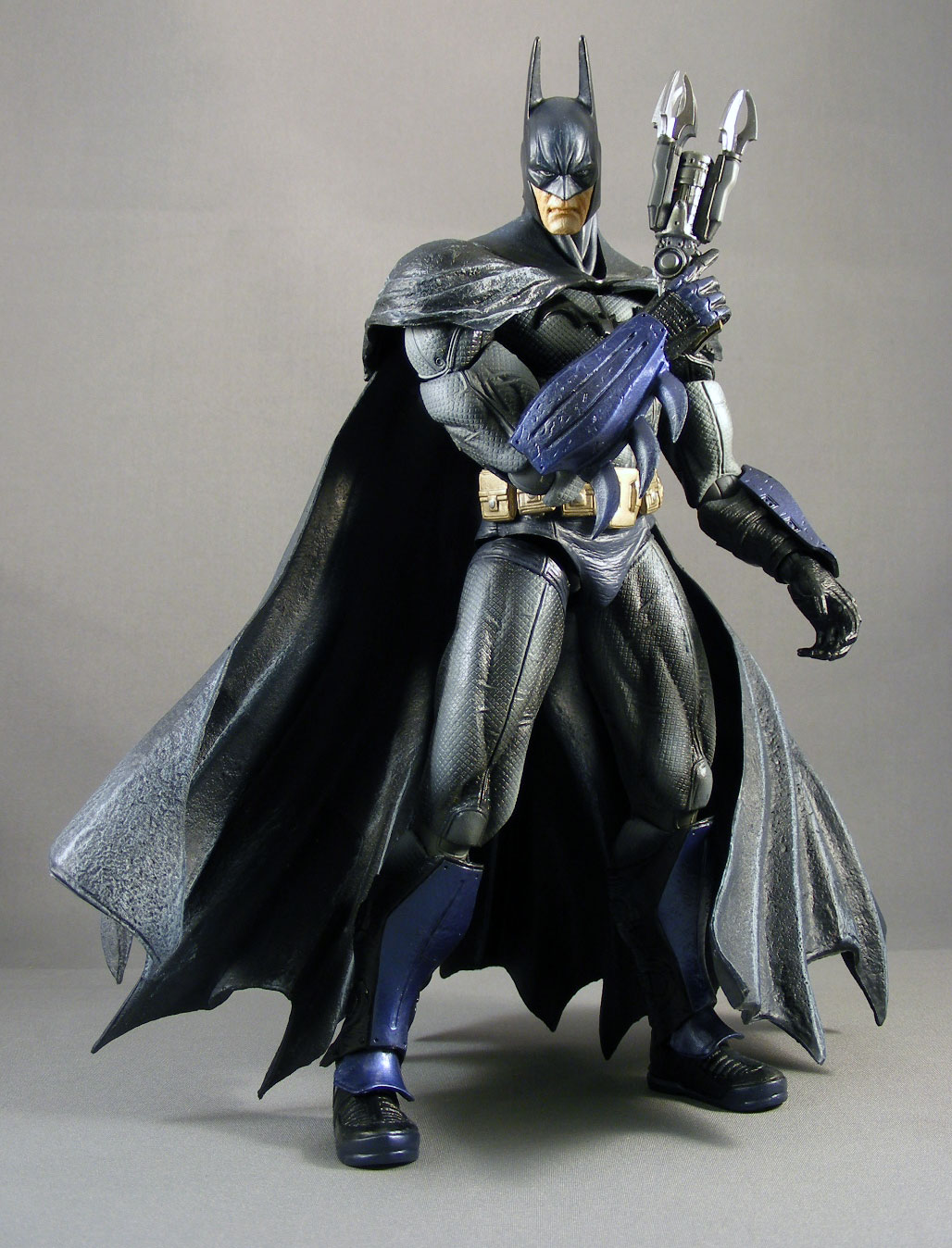 Review > Arkham Asylum Batman (Play Arts KAI, Square Enix)