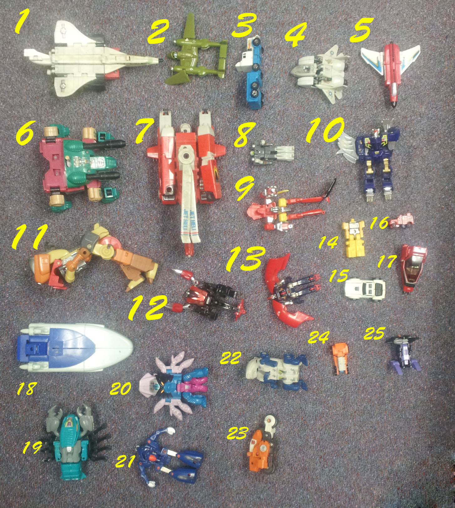 Identify the Toy > Transformers(?) Lot