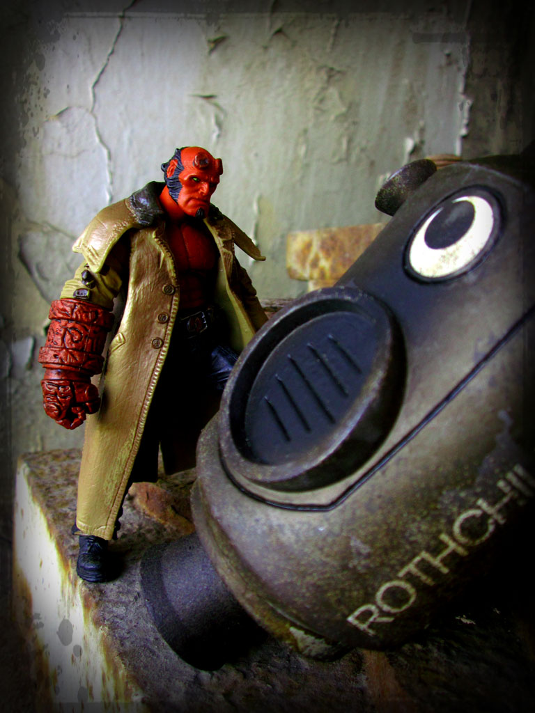 Show and Tell > Mezco 3.75-Inch Hellboy (by Monte)