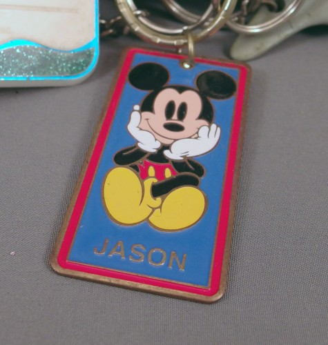 mickey-mouse-keychain