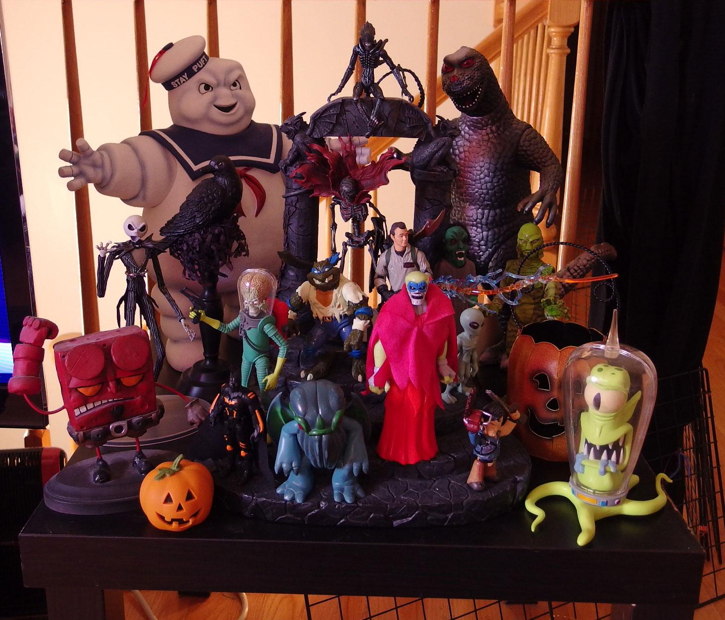 Poe's 2013 Halloween Mood Table!