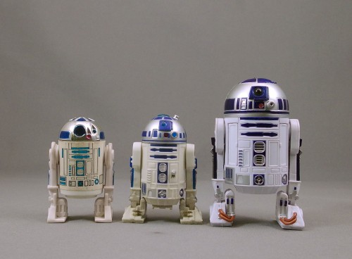 r2d2-black-series-star-wars-poe-ghostal-review-comparison